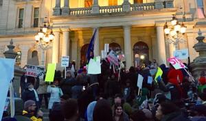 Proteste davanti al parlamento del Michigan, 19 gennaio 2016