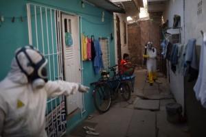 """Brasile, l'esercito dispoegato nella """"guerra a Zika"""""""