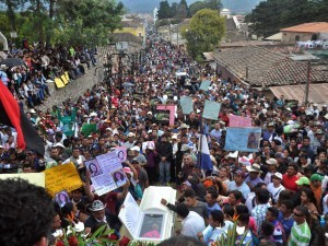 Il funerale di Berta Cáceres è diventato una manifestazione di massa