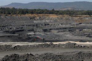 Una miniera a cielo aperto a Tamnar, chhattisgarh, India