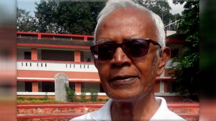 Padre Stan Swami a Bagaicha, la sua comunità